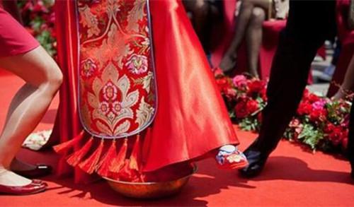 传统中式婚礼详细流程推荐