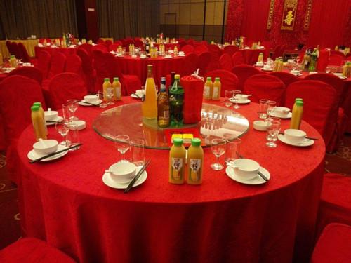 济南宴用酒选择技巧 新人筹婚过程中必知项目