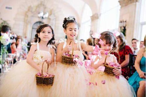 婚礼花童礼服如何挑选 济南婚庆公司为您发分享