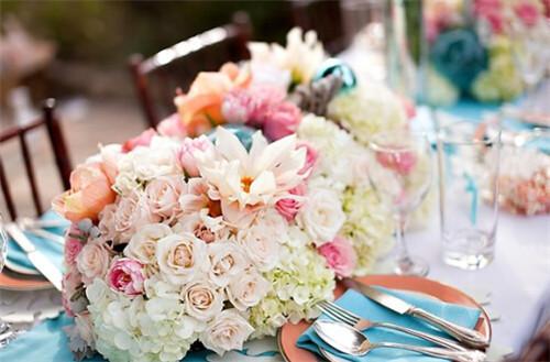 高端婚礼桌花布置