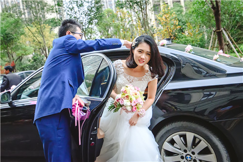 婚礼当天伴娘要做什么 济南婚庆公司 济南婚礼策划