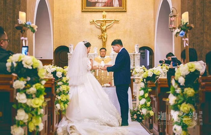 教堂婚礼·秋日